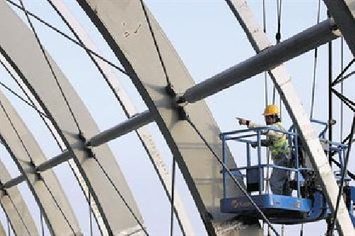 فاصله مورد نیاز ساختمان های باقاب خمشی فولادی به منظور جلوگیری از برخورد حین زلزله 140 ص